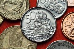 Pièces de monnaie du Nouvelle-Zélande S.M. Bark Endeavour Images stock