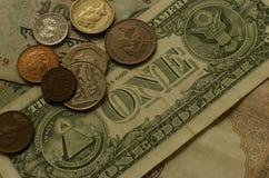 Pièces de monnaie et papier-monnaie photos libres de droits