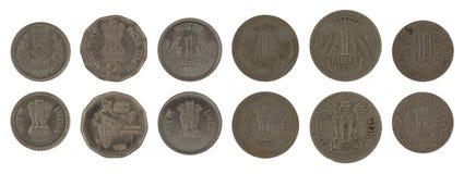 Pièces de monnaie indiennes d'isolement sur le blanc Image stock