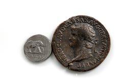 Pièces de monnaie romaines Photos stock