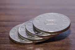 Pièces de monnaie roumaines Argent devise Photographie stock libre de droits