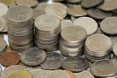 Pièces de monnaie thaïes de baht Images libres de droits