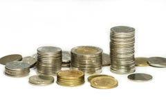 Pièces de monnaie thaïlandaises et argent thaïlandais Image stock