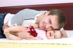 Pièces de papa avec le babygirl Image stock
