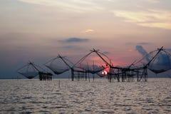 Piège traditionnel thaïlandais de pêche, Phatthalung, Thaïlande Photographie stock libre de droits