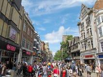 Piétons à la rue de Cornmarket, Oxford Photo stock
