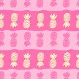 Piñas en el fondo blanco Fruta tropical del modelo inconsútil del vector Estilo lindo de la muchacha, rosado y amarillo con Fotos de archivo