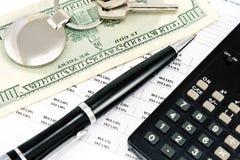 Pióra, domu klucz, kalkulator i stopy procentowe, Fotografia Royalty Free