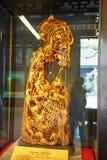 Pióro garnek - drewniana jama Fotografia Stock
