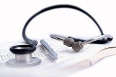 pióro książkowy medyczny stetoskop Fotografia Stock