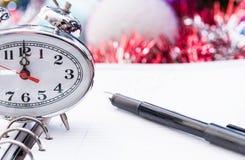 Pióro na nowego roku ` s dzienniczku Zdjęcia Royalty Free