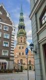 Più alta chiesa medievale nel centro di vecchia Riga, Europa Fotografie Stock