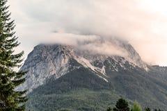 Più alta montagna della Germania al tramonto Immagini Stock