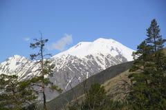 Più alta montagna maestosa in Europa, Elbrus, Immagini Stock
