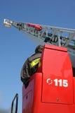 Piattaforma di un camion dei vigili del fuoco durante la sessione di pratica nel Fireho Immagini Stock