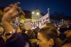 Più di 60 mila genti tengono un raduno antigovernativo a Bratislava, Slovacchia il 16 marzo 2018 Fotografia Stock Libera da Diritti