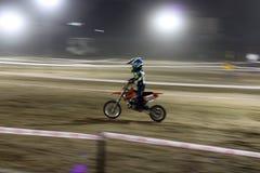 Più giovane corridore India della bici della sporcizia fotografie stock libere da diritti