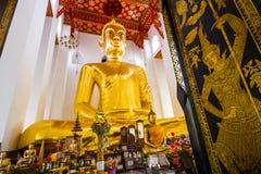 Più grande Buddha in Tailandia: Luang Pho Toh Wat Ket Chaiyo Fotografia Stock