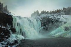 Più grande cascata svedese congelata Tannforsen nell'orario invernale fotografia stock libera da diritti