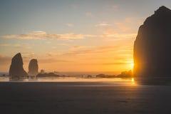 Più pile del mare nel tramonto Fotografia Stock Libera da Diritti