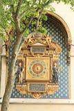Più vecchi orologi a Parigi immagine stock libera da diritti