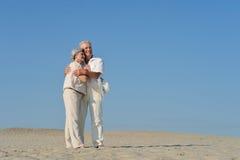 Più vecchie coppie nell'amore Fotografie Stock Libere da Diritti