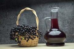 Più vecchio eco di frutta fresca del succo della bacca bio- immagine stock