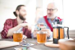 pić gorącej herbaty Obraz Royalty Free