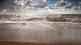 Pięć elementów: woda. Zwolnione tempo duża ocean fala zdjęcie wideo