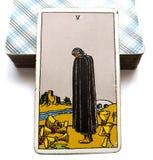 Pięć filiżanki Tarot karty straty żalu uraz Osieracający rozpacz Opłakuje smucenia stroskania serce Łamającego Głęboko ilustracji