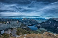 Pięć palców przegląda platformę w Alps, Austria, spektakularny Zdjęcie Stock