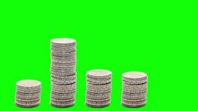 Pięć stert monety wzrastają, spadają i wzrastają znowu Chroma klucz, - Zatrzymuje ruch - ilustracji