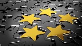 Pięć złocistych gwiazd na czarnych gwiazdach Zdjęcia Royalty Free