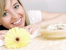 piękną blondynkę kobieta w spa. Obraz Royalty Free