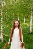 piękną dziewczynę złotowłosy czerwony Zdjęcia Stock