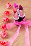 piękna łęku kosmetyków kwiatów pomadki Fotografia Royalty Free