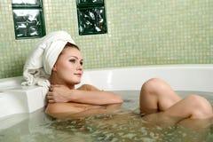 piękna łazienki kobieta zdjęcie royalty free