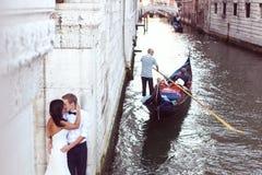 Piękna ślub para w Wenecja Zdjęcie Stock