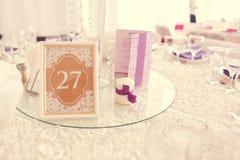 Piękna ślubna dekoracja stołu liczba Obrazy Royalty Free