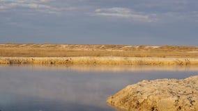 Piękna błękitna jeziorna gorąca wiosna na morzu Azov, Ukraina zbiory