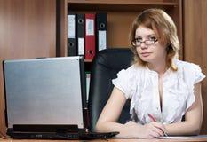 piękna biurowa sekretarki kobieta zdjęcia royalty free