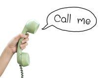 piękna bizneswomanu tła telefon wyizolował mnie młody Ręka chwyta rocznika telefon Zdjęcie Stock