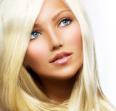 Piękna Blond Dziewczyna Obrazy Royalty Free