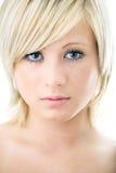 piękna blondynki zbliżenia portreta kobieta obrazy stock