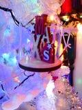 Piękna boże narodzenie dekoracja szklany obwieszenie w białe boże narodzenia drzewni fotografia royalty free