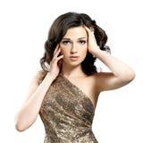 Piękna brunetki kobieta z kędzierzawymi włosami Fotografia Stock