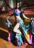 piękna brzucha tancerza egzota kobieta zdjęcie stock