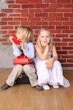 piękna chłopiec pojęcia dziewczyny miłość zdjęcia royalty free