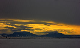 piękna chmurna świtu krajobrazu zima obraz royalty free