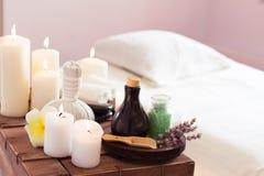 piękna ciała elementów masażu mleka naturalni zdroju kamienie Obraz Royalty Free